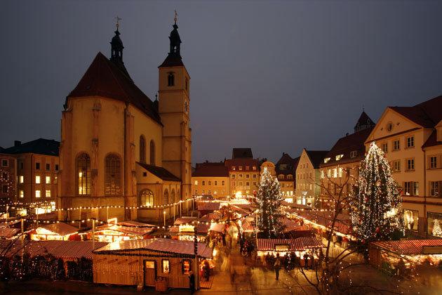 Regensburg Weihnachtsmarkt Schloss